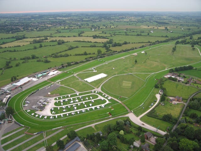 BANK HOLIDAY - Uttoxeter Racecourse